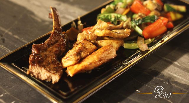 KhaanaWaana: New Zealand Lamb Chops At Skky Lounge Ramada, Mumbai